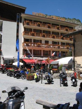 Restaurant hotel le centre brides les bains restaurant for Bains les bains restaurant