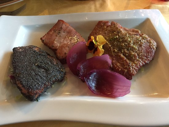 Bianzone, Italia: Insalata di Polipo come antipasto e come 2 un ottimo tris di tagliate di tonno cotte a bassa tem