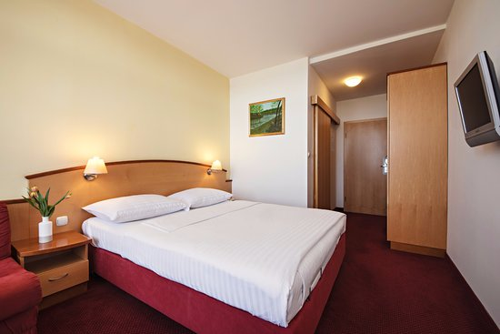 Lendava, Slovenia: A beautiful and comfortable double room, perfect for relaxation