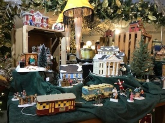 Berlin, OH: Fun display form your favorite Christmas movies!