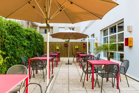 Issy-les-Moulineaux, France: Terrasse salle petit dejeuner