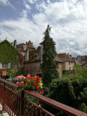 Carennac, France: IMG_20170719_161532_large.jpg