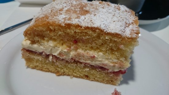 Leigh, UK: Mummy's treat (Victoria Sandwich Cake)