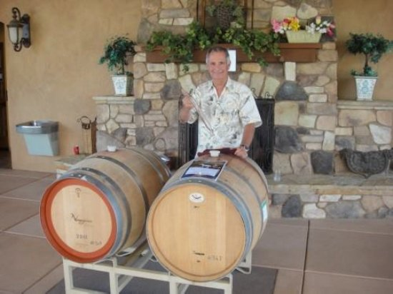 Grass Valley, CA: Mike Naggiar and barrel tasting