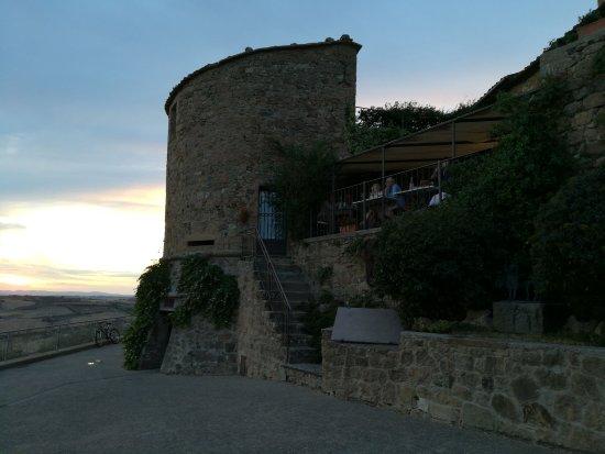 Monticchiello, Italia: IMG_20170715_204832_BURST001_COVER_large.jpg