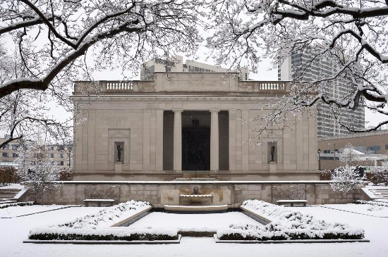 Winter snow over the Rodin Museum.
