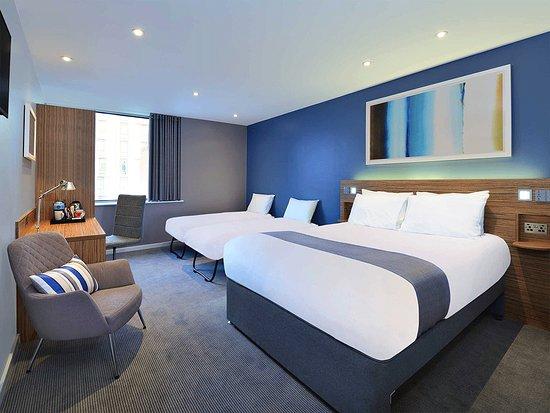 Travelodge London Vauxhall Hotel: SuperRoom family