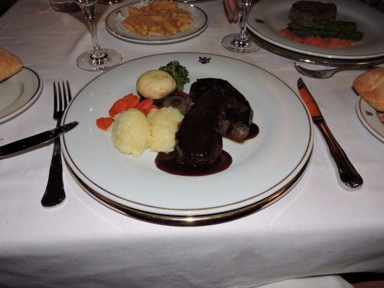 Hotel Alhambra Palace: viande de veau