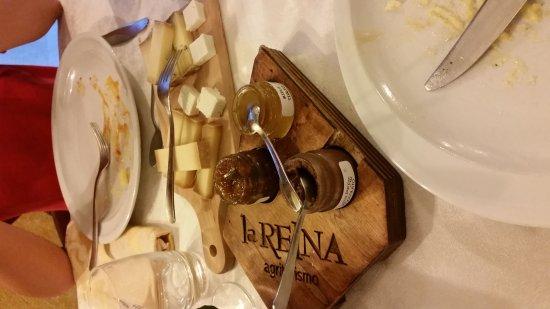 Pollein, Italy: Agriturismo La Reina