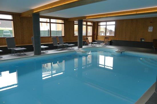 Hauteluce, France: piscine...
