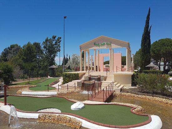 Family Golf Park: Ingang met golfterrein