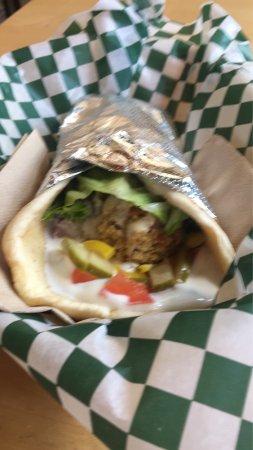 Sackville, Kanada: Falafel Wrap (On Greek Pita)