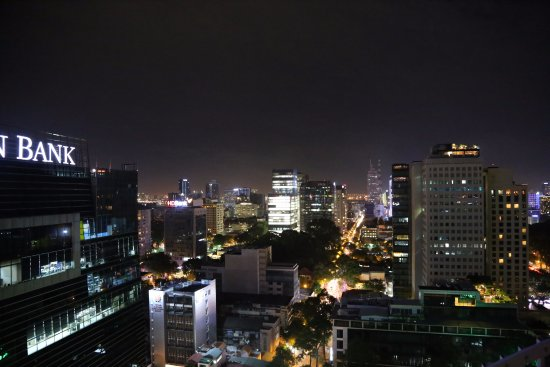 Novotel Saigon Centre Hotel : View from the rooftop bar