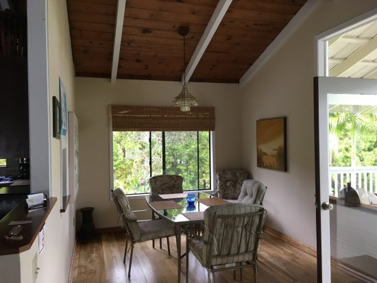 Mountain View, Hawái: Mountain Breeze Cottage 2 bedroom Near Volcano!