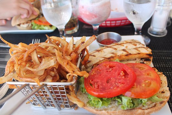 West End Village, Αγκίλα: Fish Sandwich and fries