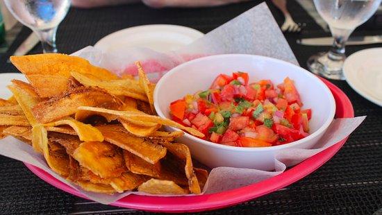 West End Village, Αγκίλα: Plantain Chips
