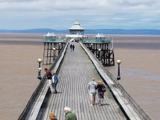 Clevedon, UK: The pier