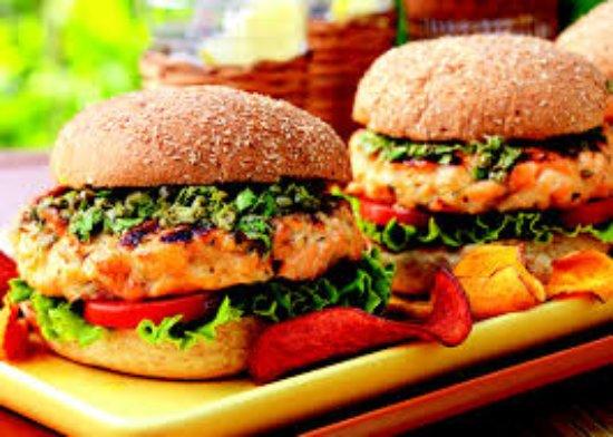 Dundrum, Irlandia: Salmon Burgers