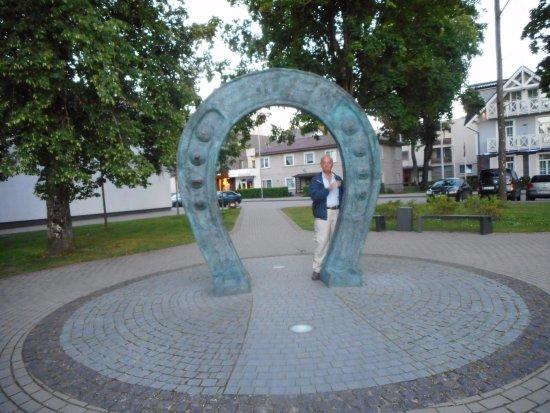 Druskininkai, Lithuania: il gigantesco ferro di cavallo