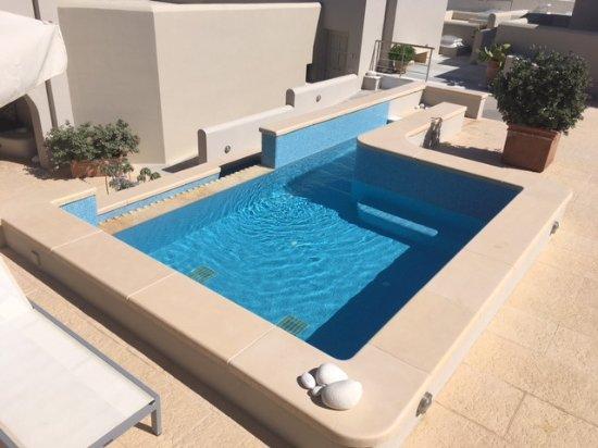 Agios Prokopios, Grécia: The smaller, more private pool in the rooms area