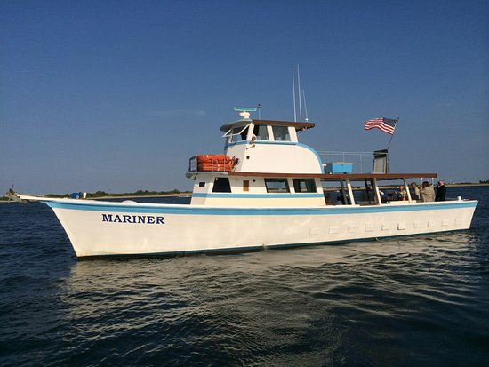 Atlantic Highlands, NJ: MARINER was built in Deltaville VA. 1978.  Wood Boats Ride Best!