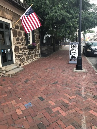 Edgar Allan Poe Museum: photo2.jpg