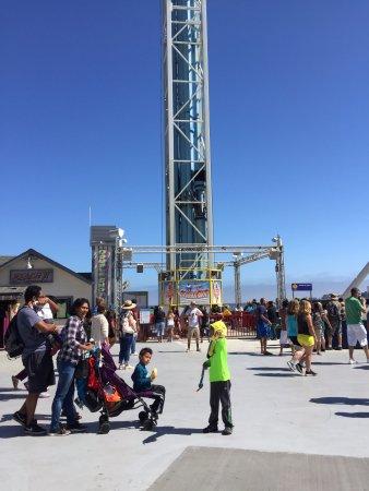 Santa Cruz Beach Boardwalk: Fun Drop Ride!