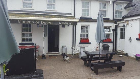 Doon, Ιρλανδία: Moore's Pub
