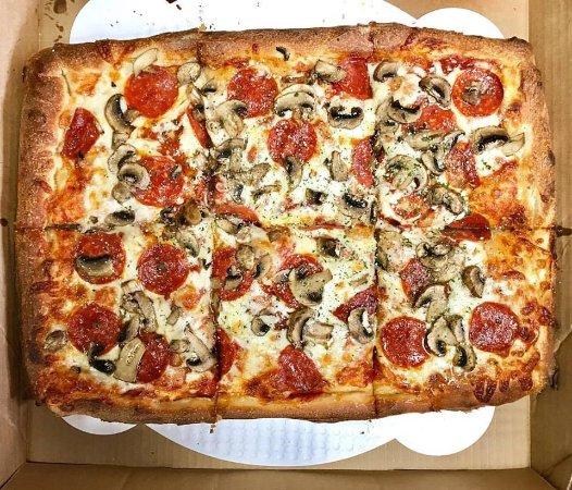 Solorzano Bros. (Webber St.): pizza