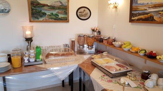 Lambastadir Guesthouse: Ontbijt. Erg belangrijk voor een Ijslands verblijf.