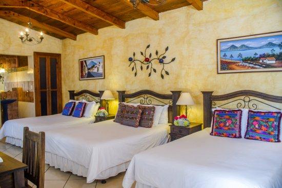 Hotel Casa del Parque: Habitacion Triple con Vista a Volcan