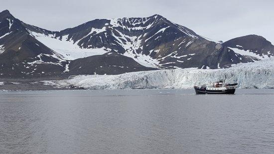 Longyearbyen, Noruega: Vue d'un glacier de près