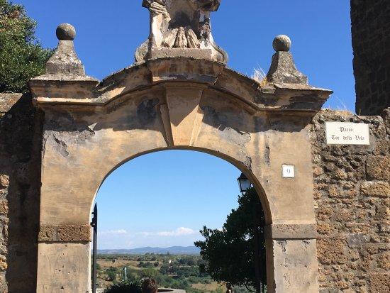 Tuscania, Italia: photo0.jpg