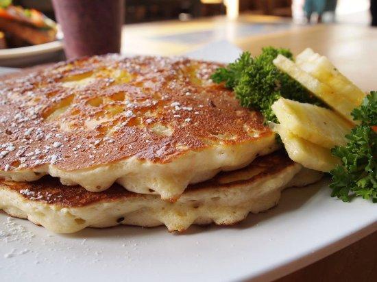 La Mesa, CA: Upside down pineapple pancakes
