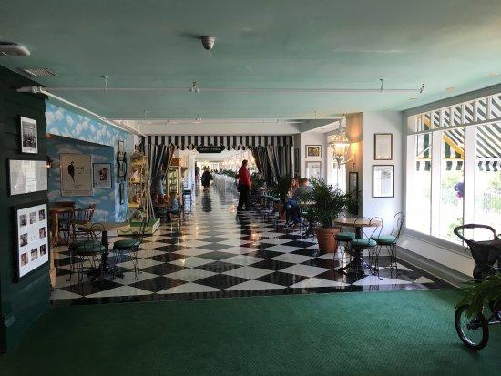 The Grand Hotel Luncheon Buffet: photo5.jpg