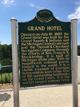 The Grand Hotel Luncheon Buffet: photo8.jpg