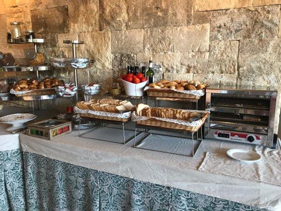 Mas Gallau : desayuno (solo una parte)