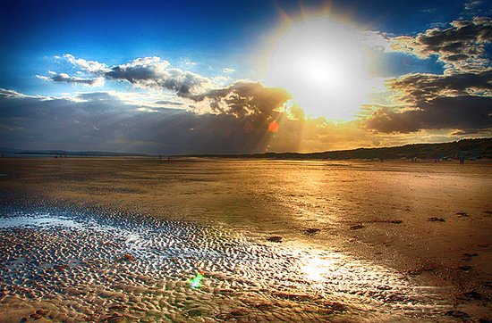 Camber Sands: WHEN THE TIDE GOES OUT AND THE SUN GOES DOWN