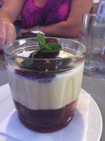 Fuente Alamo, Spain: Cherry brandy trifle