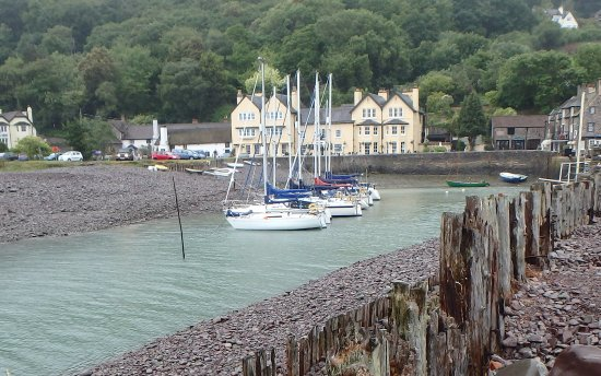 Porlock Weir, UK: Really well worth a visit, beautiful setting.