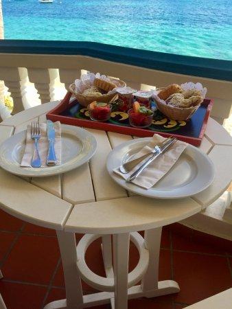 Le Petit Hotel: breakfast of champions