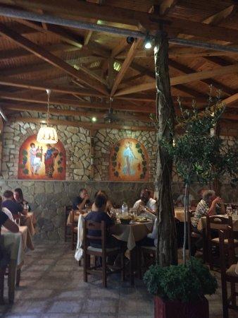 Taverna Dionyssos: photo0.jpg