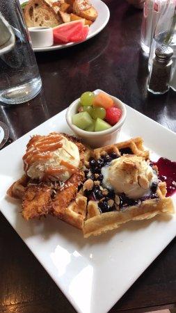 Dundee, Oregon: chicken and waffle & blueberry amaretto waffle