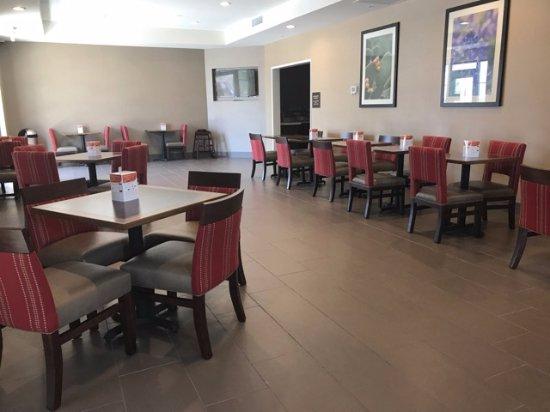 Kyle, TX: Breakfast dining area