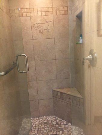 Napili Sunset: shower 2