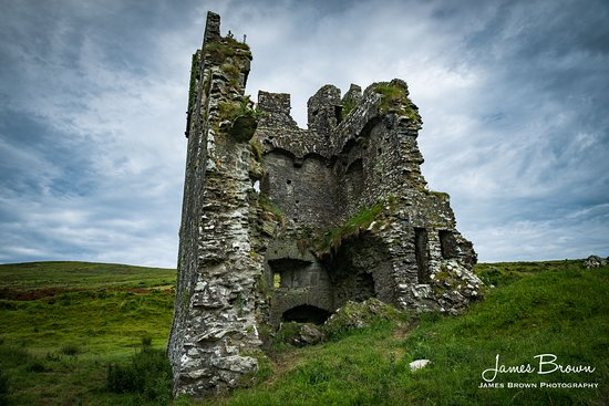 Ventry, Irland: Rahinnane Castle by James Brown Photography www.jamesbrownphotography.com