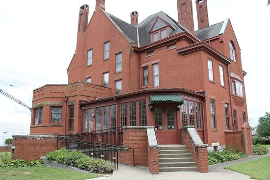 Jeffersonville, IN: The Steamboat Mansion and Museum