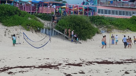 Nippers Beach Bar & Grill: 20170716_153525_large.jpg