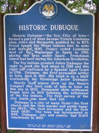 ดูบิวก์, ไอโอวา: One of the historic markers telling the story of Dubuque.
