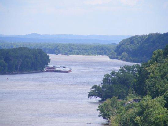 Dubuque, IA: On the river